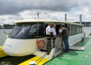 Electric ferry trialled as a carbon-neutral bridge alternative